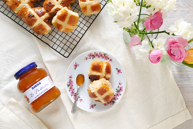 Hot Cross Buns alle Albicocche.